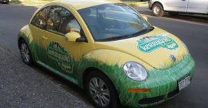 Lee más sobre el artículo Poner publicidad en el coche y ganar dinero. Te explicamos cómo hacerlo