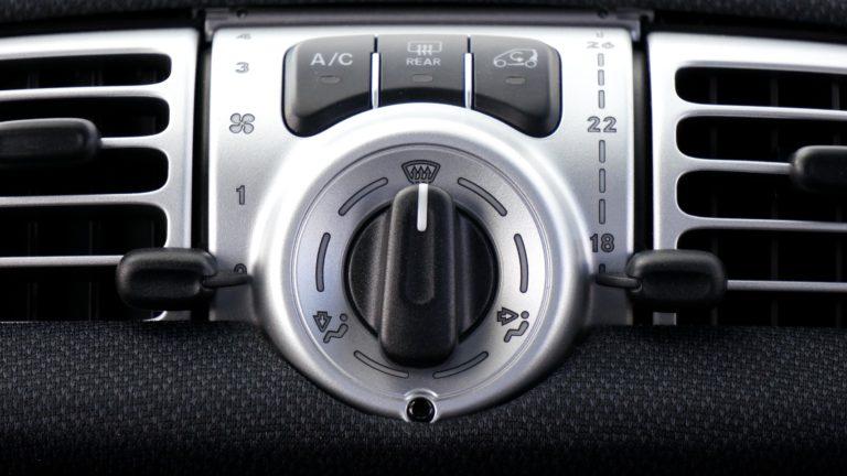 Recarga del aire acondicionado del coche. Todo lo que debes saber – 2020