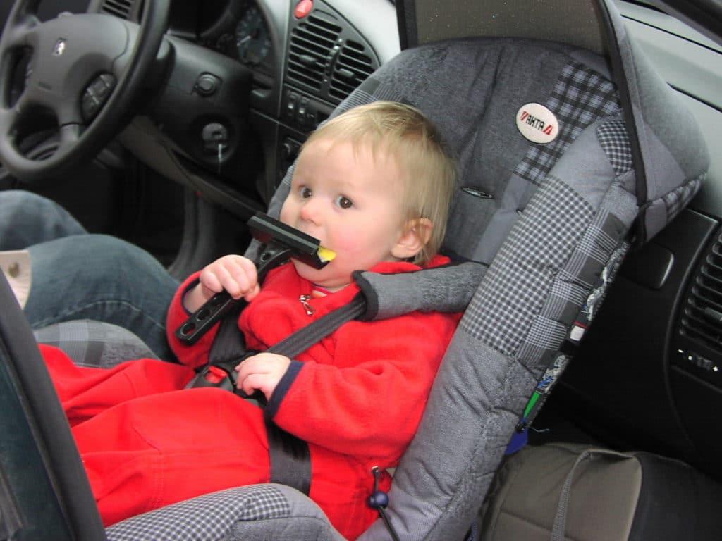 normativa niños coche