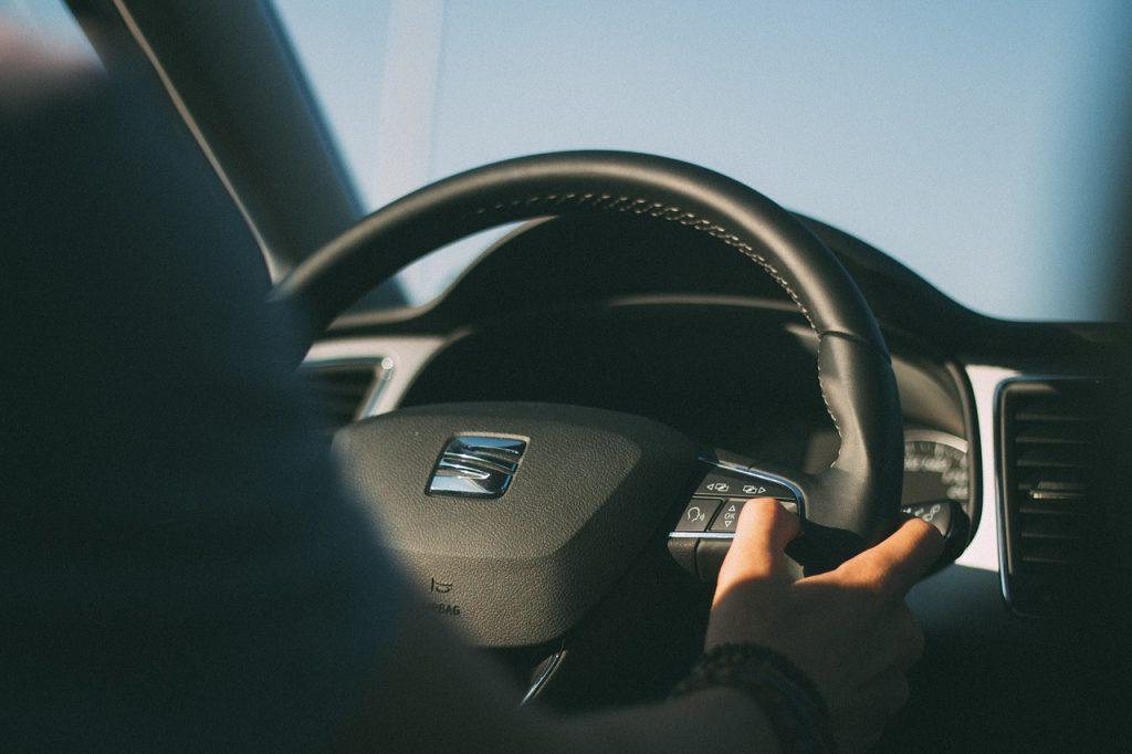 a que velocidad se debe manejar un auto nuevo