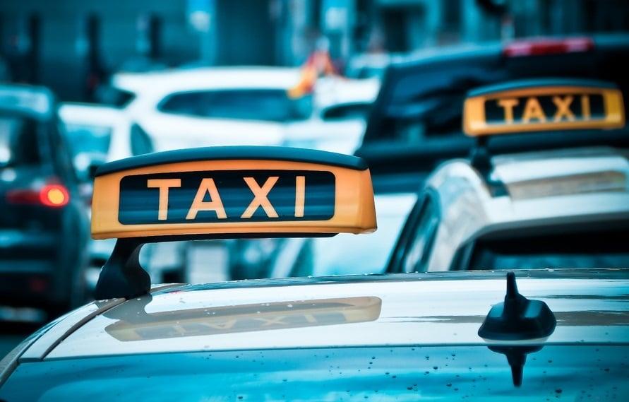 taxi matricula azul
